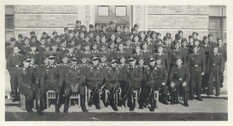 http://www.wehrmacht-awards.com/uniforms_firearms/uniforms/luft_cufftitles/Condor/condor_group_pic2.JPG